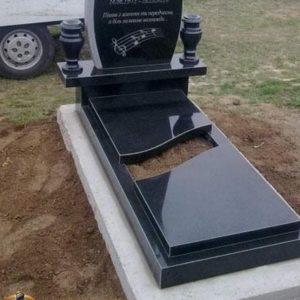Надгробная плита №02