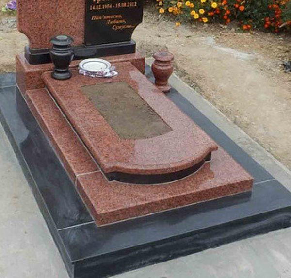 Надгробная плита №08